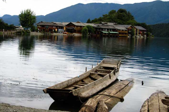 how to reach lugu lake