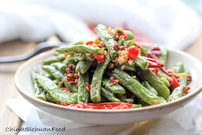 Dry-fried dishes like fry-fried green beans (干煸豆角)