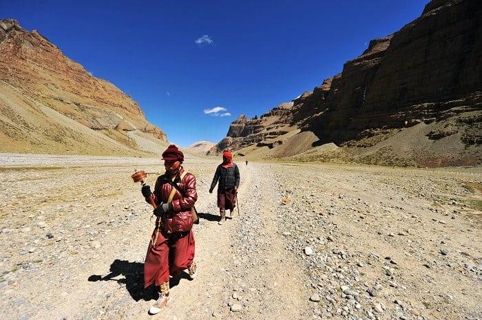Gente en la Kora de Kailash