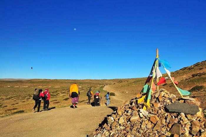 Turistas en la Kora de Kailash