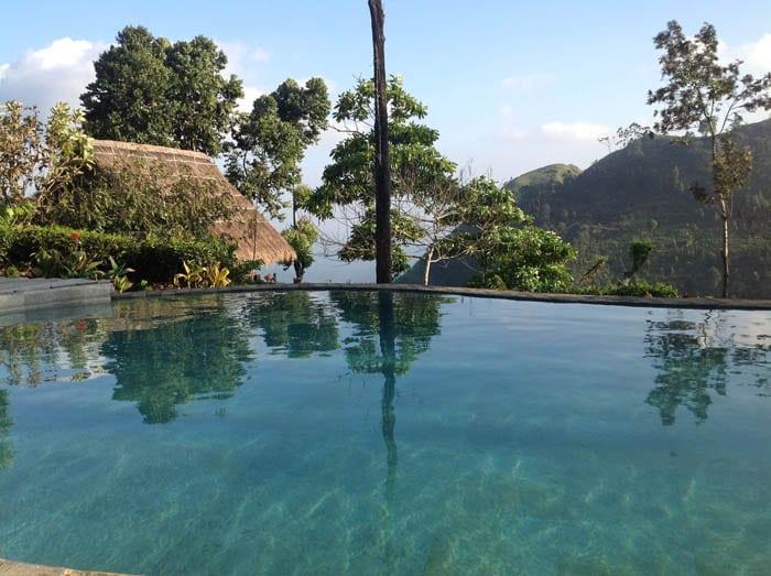 28-ELLA-piscina