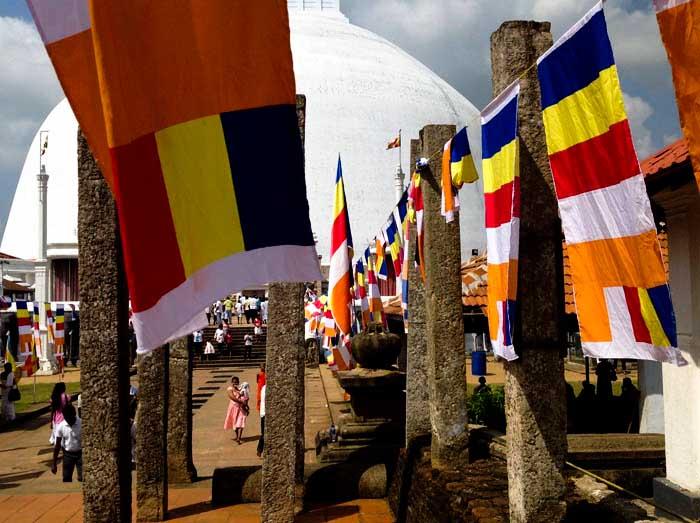 ANURADHAPURA bandiere