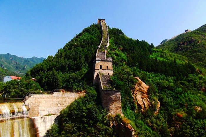 sezione grande muraglia huang hua cheng