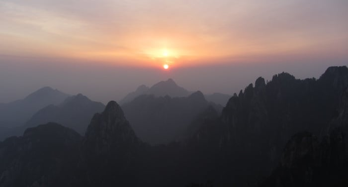 L'alba sulla Huang Shan