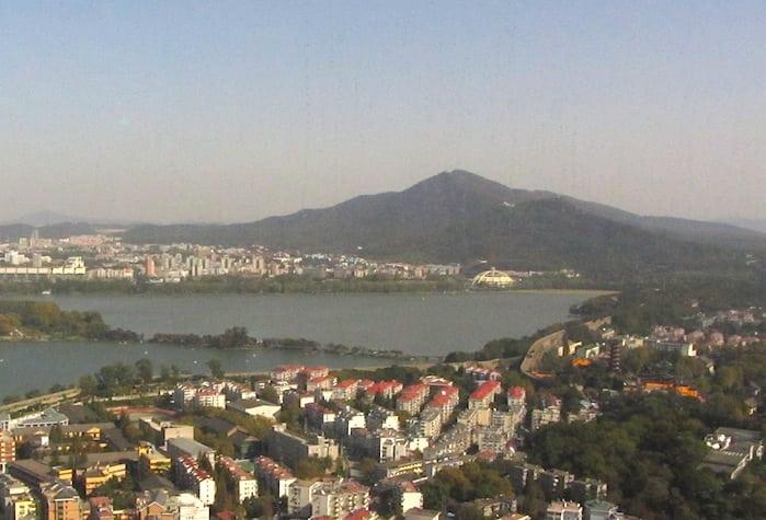 La Montagna Viola dalla torre più alta di Nanjing
