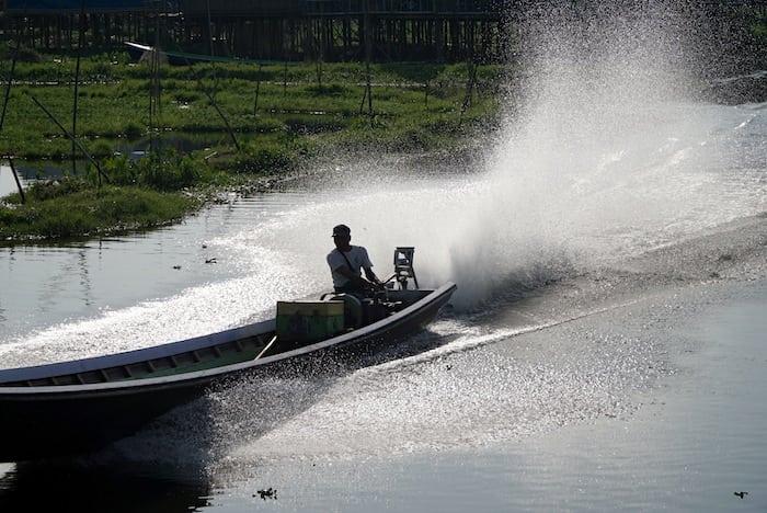 Piroghe a motore del Lago Inle