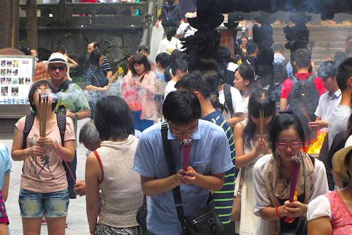 Preghiere al Tempio Lingyin
