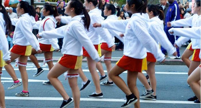 Localizzatori, verbi e preposizioni di movimento nella lingua cinese